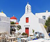 Outdoor restaurant, Mykonos Town, Mykonos, Cyclades Islands, Greek Islands, Greece, Europe