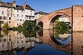 France, Aveyron, Lot valley, Espalion, step on the way to Santiago de Compostela, the Pont-Vieux