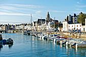 France, Loire Atlantique, Guerande peninsula, Le Croisic, the harbour, the docks and Notre Dame de Pitie church