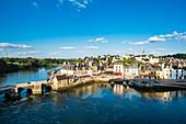 France, Morbihan, Gulf of Morbihan, Auray, Saint-Goustan harbour and the old Saint-Goustan bridge
