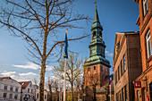 Market square of Tönning with St. Laurentius Church, North Friesland, Schleswig-Holstein