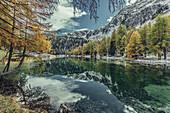 Bergsee in Graubünden, Schweiz, Europa\n