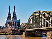 Blick auf den Kölner Dom von Osten, Köln, Nordrhein-Westfalen, Deutschland