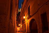 At night in the alleys of Palma, Palma de Mallorca, Majorca, Balearic Islands, Balearic Islands, Mediterranean Sea, Spain, Europe