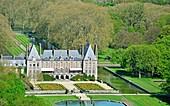 France, Essonne, Gatinais regional park, Courances Castle and garden (aeriel view)
