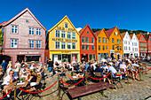 Open air cafes, Bryggen, series of Hanseatic buildings, UNESCO World Heritage Site, Bergen, Norway, Scandinavia, Europe