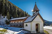Chapel on the Unterstalleralm in the Arntal, Innervillgraten, Villgratental, East Tyrol, Tyrol, Austria