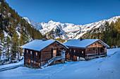 Old mountain huts on the Oberstalleralm in the Arntal, Innervillgraten, Villgratental, East Tyrol, Tyrol, Austria