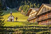 Mooshofalm with chapel in Winkeltal, Auservillgraten, Villgratental, East Tyrol, Tyrol, Austria
