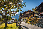 Dorfzentrum von Obermauern, Virgental, Osttirol, Tirol, Österreich