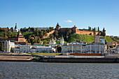 Bank of Volga River with Nizhny Novgorod Kremlin, Nizhny Novgorod, Nizhny Novgorod District, Russia, Europe