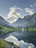 Bakketun, Vassdalsnippa, Vetlefjorden, Vestland, Norway