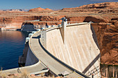 Glen Canyon Dam on the Colorado River, Lake Powell, Glen Canyon National Recreation Area, Page, Arizona, United States of America, North America