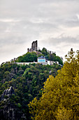 View of the Drachenfels ruins with the plateau in front, Koenigswinter, NRW, Germany