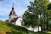 Herrenhaus Austråttborgen ist eines der ältesten norwegischen Herrenhäuser, Trondheimfjord, Norwegen