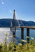 Brücke bei Sandnessjöen, Norwegen