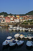 Harbor basin and place Mundaka, Urdaibai Biosphere Reserve, Basque Country, Spain