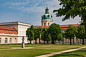 The palace gardens and the baroque palace in Charlottenburg in Berlin are popular excursion destinations