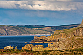 View of Crovie from Gardenstown, gable, Moray Firth, row of houses by the sea, rocky coast, Aberdeenshire, Scotland, UK