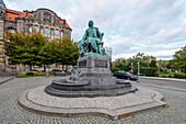 Guericke monument, Otto von Guericke, Magdeburg, Saxony-Anhalt, Germany