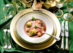 Red Beet-Ginger Soup with Puff Pastry Stars; Christmas