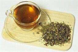 Dandelion tea (Taraxum officinalis)