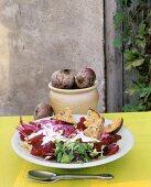 Beetroot salad with garlic baguette