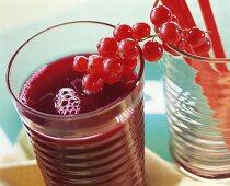 Beetroot juice with redcurrants
