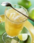 Green tea with peach and limes