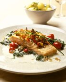 Salmon fillet with cherry tomatoes and spinach