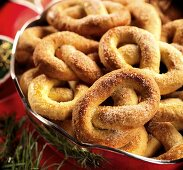 Sugared pretzels