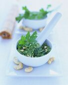 Asian pesto with cashew nuts