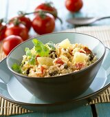Rice with pineapple, raisins and tomatoes (Thailand)