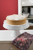 Pear meringue cake