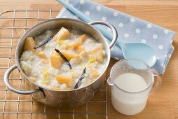 Rice pudding with vanilla and peaches