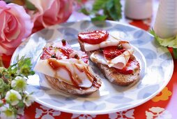 Bruschetta with strawberries