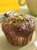 Chocolate praline muffin with pistachios