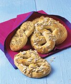 Wholemeal pretzels