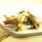 Filo pastry parcels with feta filling and thyme