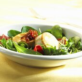 Salad leaves with fried goat's cheese