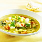 Minestrone with parsley
