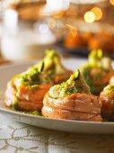 Salmon rolls filled with Jerusalem artichoke puree (Christmas)