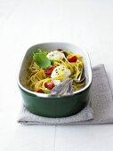Spaghetti with raw tomatoes and mozzarella
