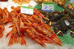 Scampi and lobster at the market (Mercat de St. Josep (Boqueria), Las Ramblas, Barcelona, Spain)