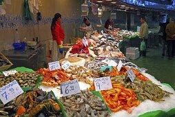 Seafood on a market stall (Mercat de St. Josep (Boqueria), Las Ramblas, Barcelona, Spain)
