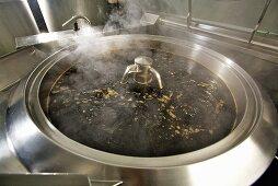 Making balsamic vinegar: boiling the must