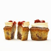 Cherry and poppy seed muffins with meringue and cherry jam