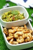 Fried prawns with guacamole