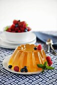 Beer jelly with berries