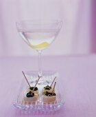 Scallops on cocktail sticks with caviar & orange zest, aperitif